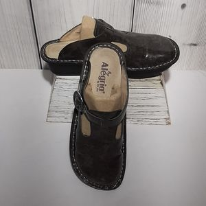EUC Alegria by PG Lite Leather Mules Sz 38
